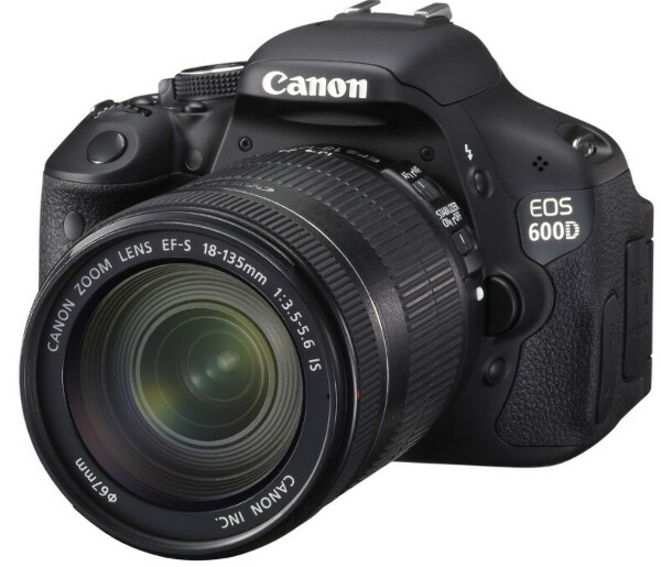 Я очень хочу фотоаппарат Canon EOS 600D Kit 18-135 IS (черный)