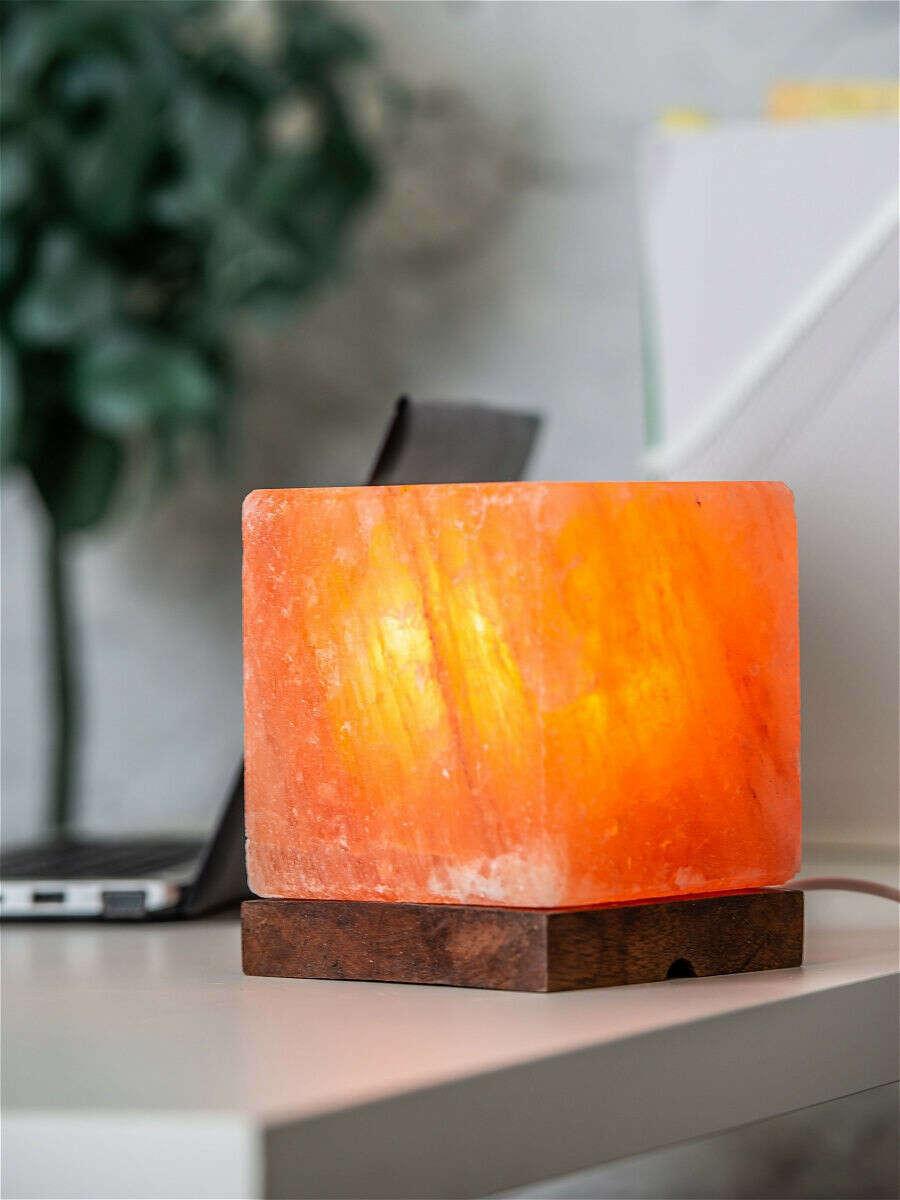 Лампа из гималайской розовой соли Куб