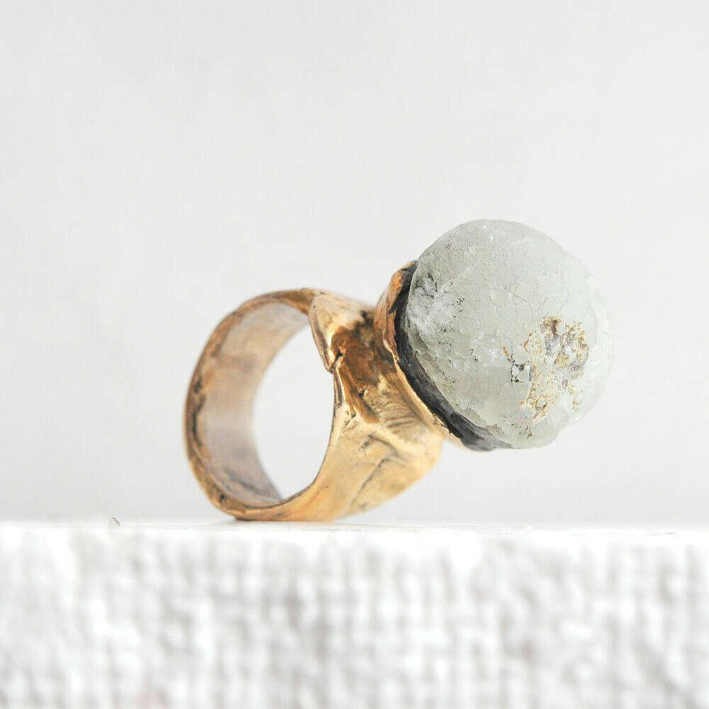 Кольцо c минералом