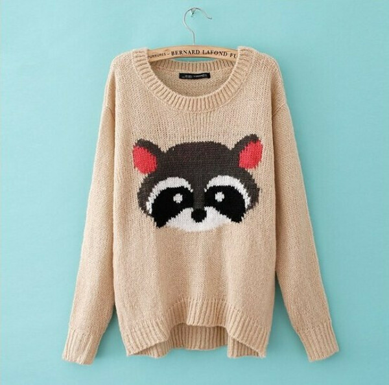 свитер с енотом