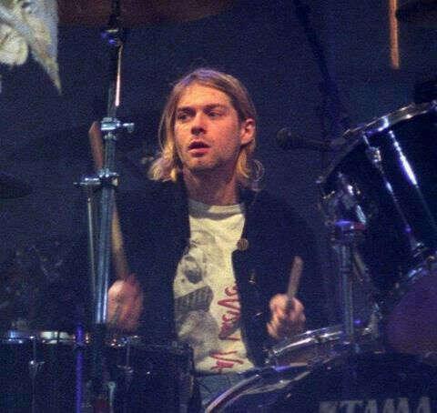 Научиться играть на барабанной установке