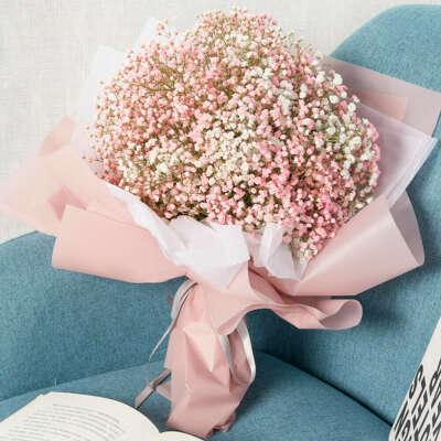 Гипсофилы (бело-розовые или розовые с чем-то)