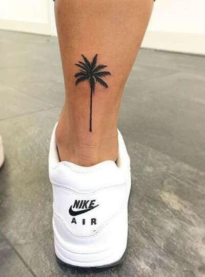 Маленькая татуировка