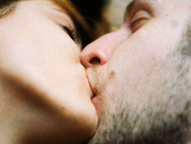 хочу поцелуев и любви!