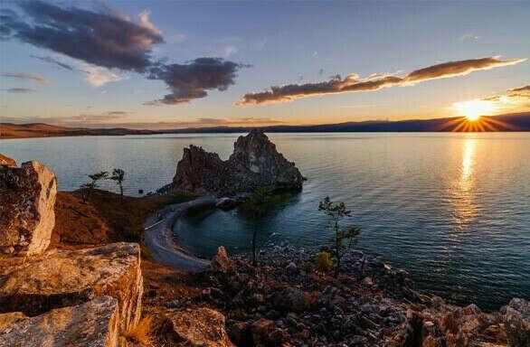 Посетить Байкал