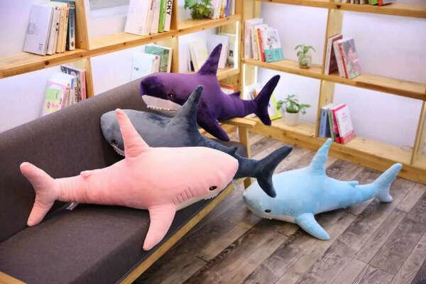 Акула БЛОХЭЙ (розовая) 140см