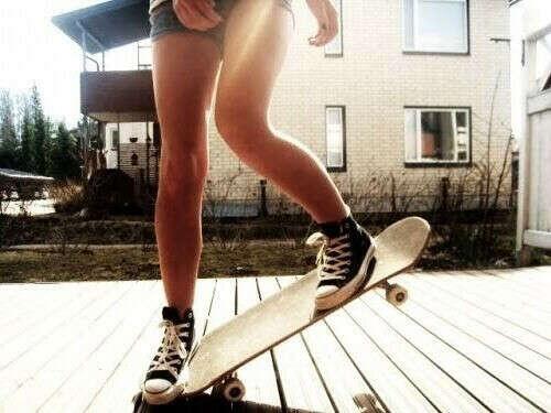 Кататься на скейте