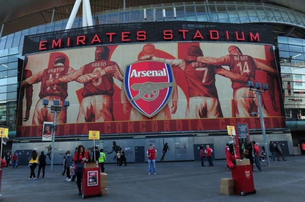 Побывать на матче ФК Арсенал на стадионе Эмирейтс