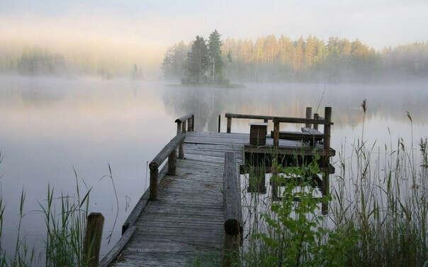 встретить рассвет у озера.