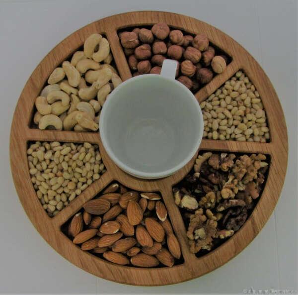 Деревянная сервировочная тарелка для сыров, орехов и т.д.
