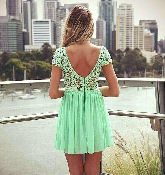 Платье с кружевным топом и открытой спиной