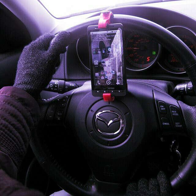Крепёж для смартфона на руль