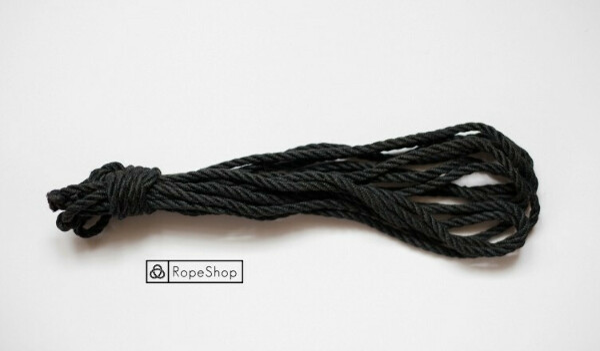 Черная веревка для шибари джутовая обработанная