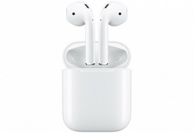 re:Store — Купить Беспроводные наушники Apple AirPods с зарядным чехлом по цене 12990 руб.