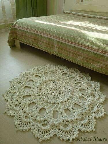 Ажурный коврик из шнура