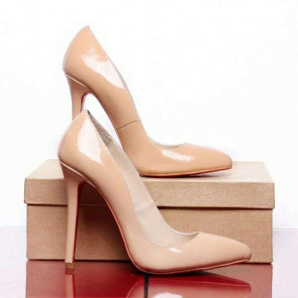 Идеальные бежевые туфли-лодочки