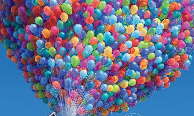Много разноцветных воздушных шаров