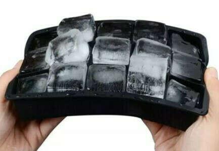 Силиконовая форма для больших кубиков льда
