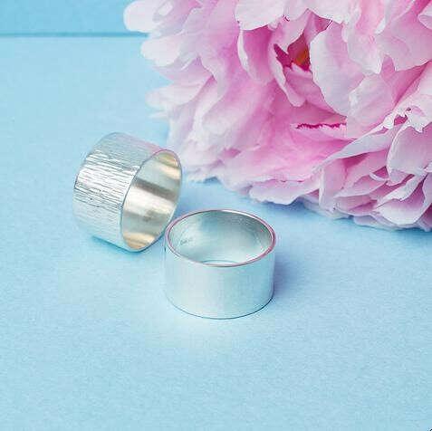 Серебряное рифленое широкое кольцо