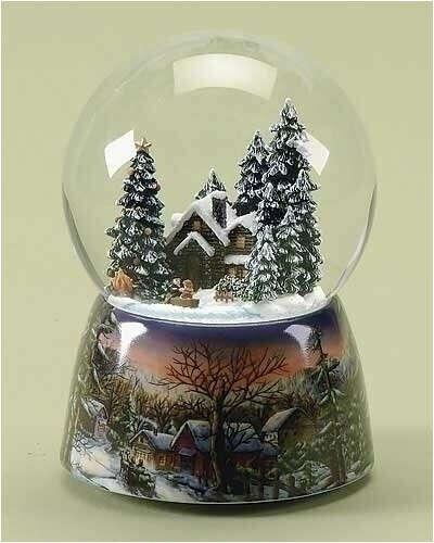 Стеклянный шар со снегом