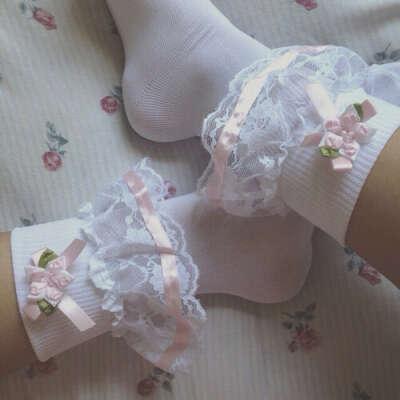 Кружевные носочки