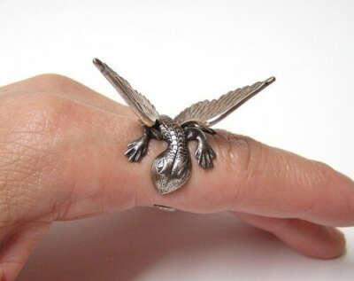 Обручальное кольцо с драконом