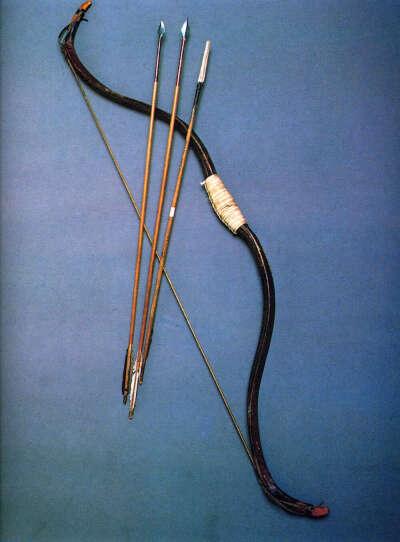лук и стрелы