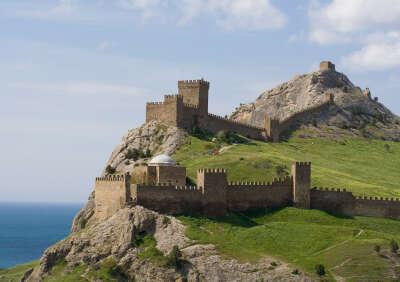 в Судакскую крепость