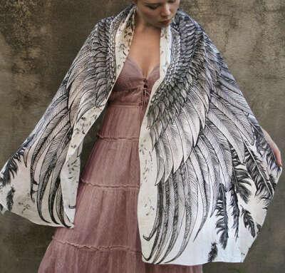 Платок с крыльями от Розы Хамитовой
