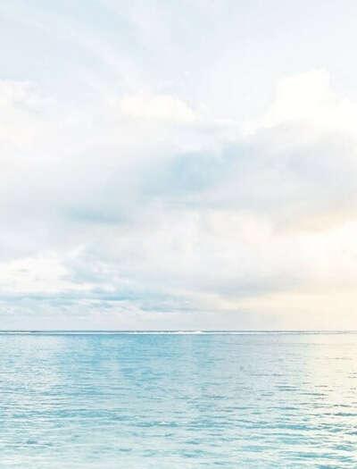 Целый день гулять по берегу моря