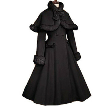 Пальто готической Лолиты