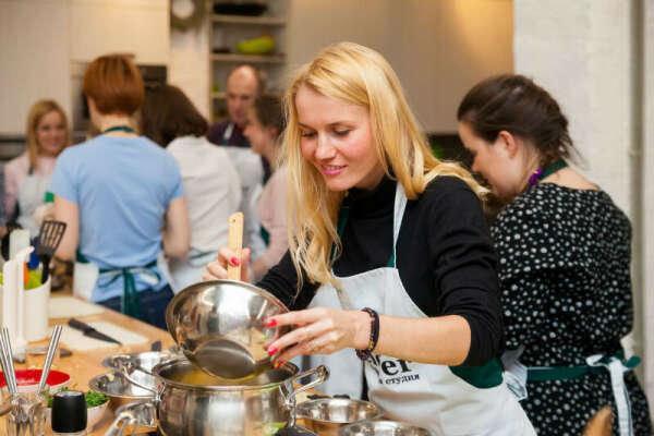 Кулинарные мастер классы от шеф повара, кулинарная студия Clever.