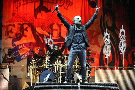 побывать на концерте группы Slipknot