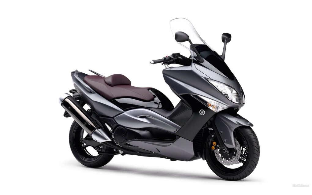 Очень сильно горю желанием получить в подарок скутер:)