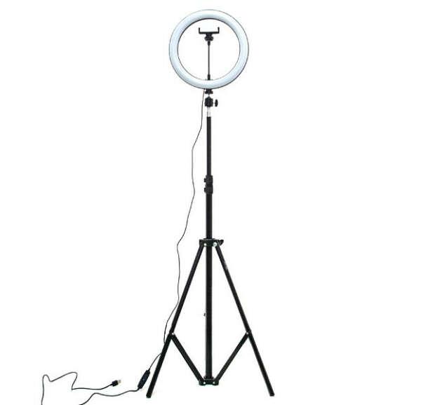 Кольцевая лампа на штативе