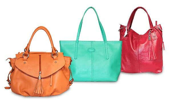 много ярких сумок