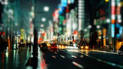 Кататься по ночному городу на авто
