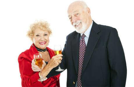 Денег на обеспечение шикарной старости своим родителям