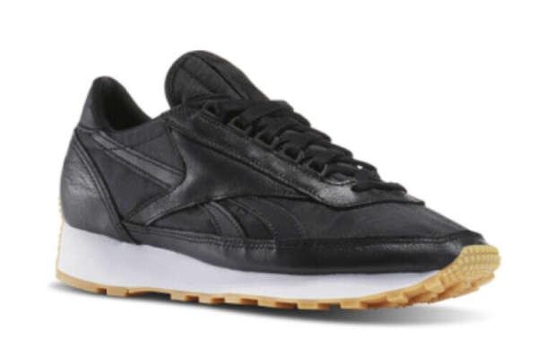 Чёрные кроссовки Reebok