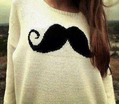 Вязаный свитер с усами