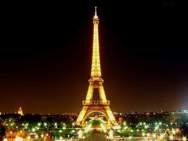 Поехать в Париж с любимым