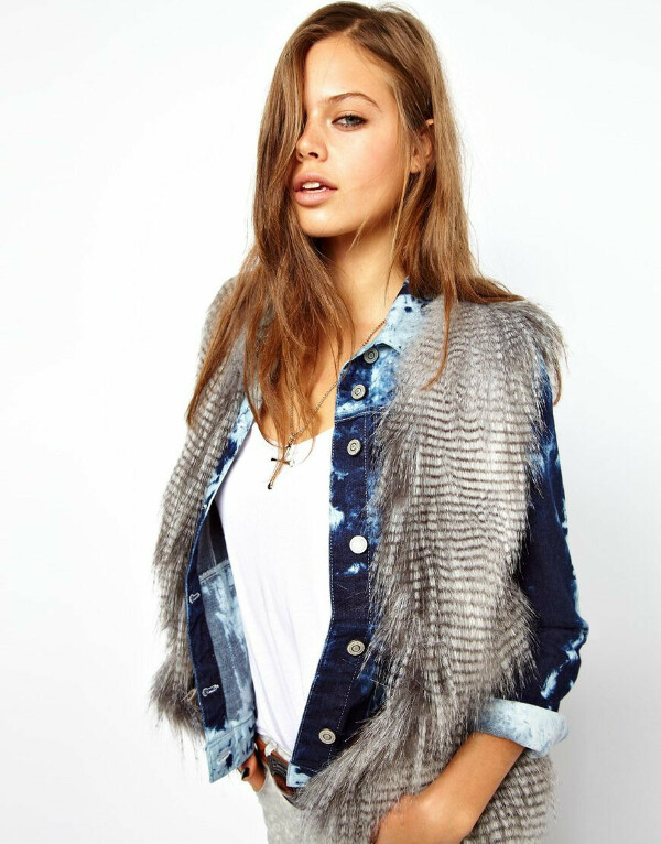 Жилет с полосатой отделкой Unreal Fur
