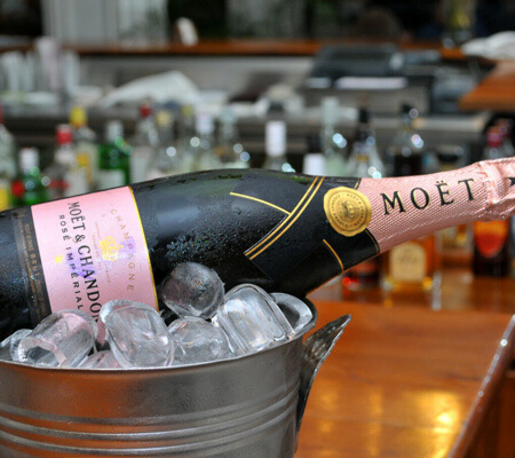 MOЁT & CHANDON rose imperial