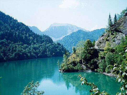 Съездить в Абхазию