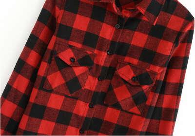 Красная рубашка в черную клетку
