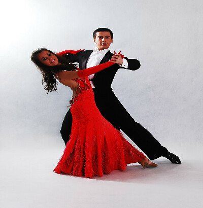 танцевать бальные танцы