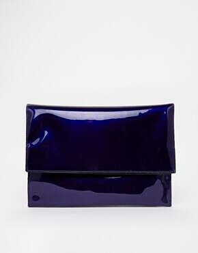 Лакированный клатч цвета индиго