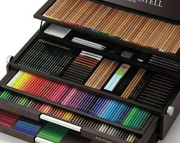 Набор цветных карандашей.