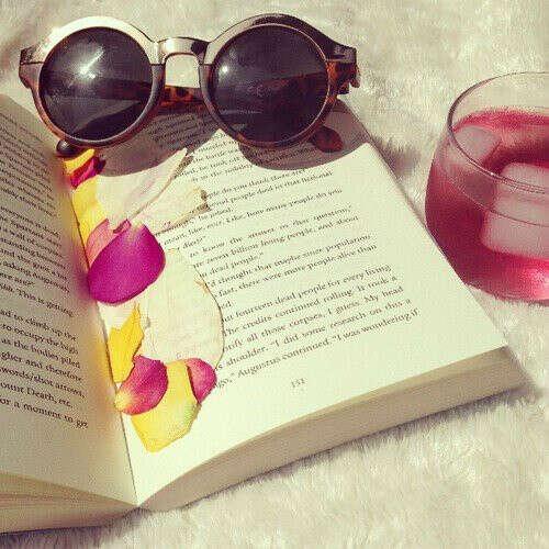 расслабиться на пляже с книжкой