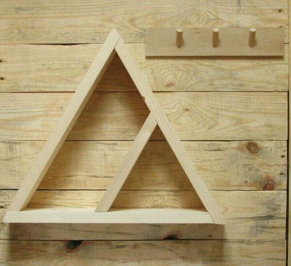 Полка треугольник ручной работы купить в Украине. №73106